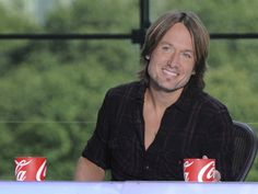Keith Urban is returning to 'American Idol' for a second season