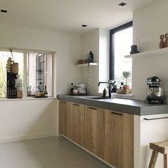 Binnenkijken bij wonenbydjo Ikea Kitchen, Kitchen Interior, Kitchen Dining, Kitchen Cabinets, Loft Interior Design, Loft Interiors, Home Improvement, House, Kitchen Inspiration