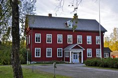 Tottesund the great hall of the mansion is celebrated at the time of Jean Sibelius and Aino Järnefelt for weddings. Vöyri, Ostrobothnia province of Western Finland. Swedish House, Historian, My Dream Home, Roads, Finland, Paths, Westerns, Buildings, Southern