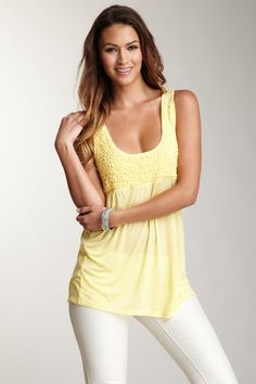 cute summer top.  Love the color. (Mystree)