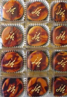 These little chocolate party cakes were for created for the 60th birthday of Justin Hayward from the Moody Blues