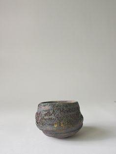 溶岩いぶし銀瓷盃 - 陶芸家・青木良太公式通販サイト RYOTA AOKI POTTERY