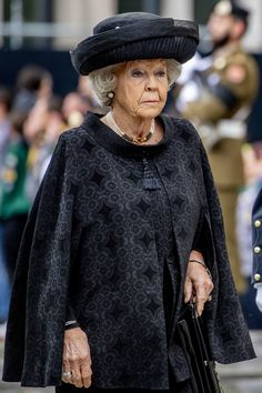 Princess Beatrix of The Netherlands attend the funeral of Grand Duke Jean of Luxembourg on May 2019 in Luxembourg, Luxembourg. Over 50 Womens Fashion, Fashion Tips For Women, Funeral, Royal Tiaras, Dutch Royalty, Grand Duke, Queen Maxima, Royal Fashion, Nassau