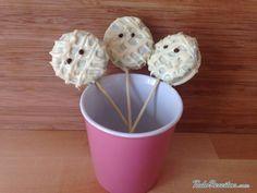 Pirulitos de chocolate em forma de múmia