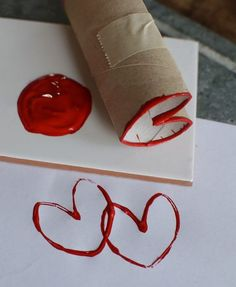craft for seniors Valentine's Day Crafts For Kids, Valentine Crafts For Kids, Crafts For Seniors, Valentine Day Crafts, Projects For Kids, Diy For Kids, Holiday Crafts, Toilet Paper Roll Crafts, Paper Crafts