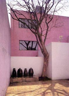 pink apartment in Mexico Exterior Design, Interior And Exterior, Resorts, Architecture 101, Pintura Exterior, Mug Decorating, Colourful Buildings, Belle Villa, Colour Pallette