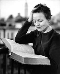 Laurie Anderson reading. Photo by Clifford Ross. BOMB. Fall 1999.