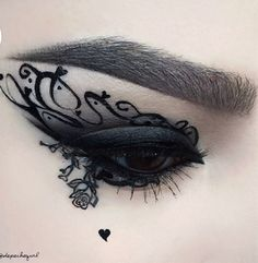 Light eye make up today ; Eh, no but absolutely stunning eye make up art by via Edgy Makeup, Gothic Makeup, Eye Makeup Art, Dark Makeup, Beauty Makeup, Makeup Eyes, Dark Fantasy Makeup, Movie Makeup, Eye Art