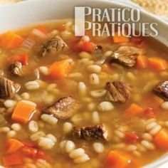 Soupe boeuf et orge - Recettes - Cuisine et nutrition - Pratico Pratique Crockpot Recipes, Soup Recipes, Healthy Recipes, Easy French Recipes, Good Food, Yummy Food, Roasted Cauliflower, Nutrition, Soups And Stews