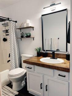 Small Cabin Bathroom, Small Master Bath, Very Small Bathroom, Cabin Bathrooms, Guest Bathrooms, Bathroom Spa, Bathroom Renos, Small Bathroom Paint Colors, Master Shower