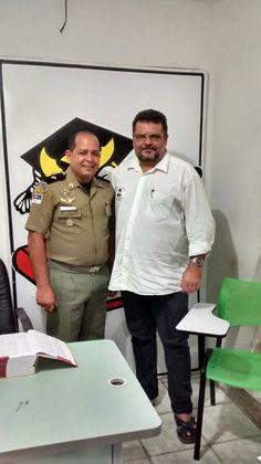 PROF. FÁBIO MADRUGA: Prof. Fábio Madruga recebe no cursinho a visita do...