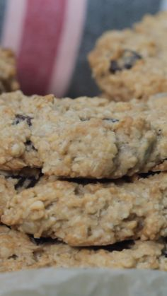 Hafer-Honig-Plätzchen In just 10 minutes: oat and honey cookies. These cookies are from HAFER and ev Honey Cookies, Oatmeal Chocolate Chip Cookies, Mini Chocolate Chips, Almond Chocolate, Chocolate Covered, Cornflakes Chocolate, Toffee Cookies, Nutella Cookies, Cinnamon Cookies