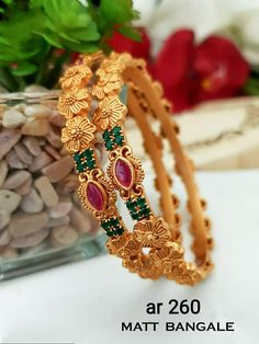 Gold Bangles For Women, Gold Bangles Design, Gold Jewellery Design, Gold Bangle Bracelet, Bracelets, Golden Jewelry, Bridal Jewelry Sets, Jewelry Patterns, Bracelet Designs
