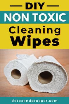 Make your own disinfectant wipes with this all natural cleaning recipe. Only uses natural and non-toxic ingredients. They're even disposable! Perfect for cleaning toddler messes, wiping down counters, and cleaning spills. Natural Health Remedies, Herbal Remedies, Home Remedies, Natural Cleaning Recipes, Organic Cleaning Products, Detox Your Home, Feel Good Food, Natural Cleaners, Healthy Living Tips