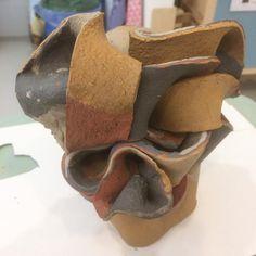 Workshop keramiek @stedelijkmuseum_sh. Geïnspireerd op de keramiek van de American Beauty expositie. #keramiek #experimenteel #experimental #ceramics #ceramic #kleien #creëeren #diy #inspiration #creabea #creating