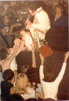 May 28 1977 - The Spectrum Philadelphia PA