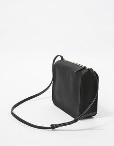 1ea5ca5eb861 Cuero Mør   Crossbody Bag in Black