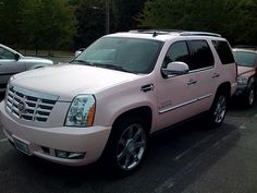 Escalade Pink - Girly Cars for Female Drivers! Love Pink Cars ♥ It's the dream car for every girl ALL THINGS PINK!