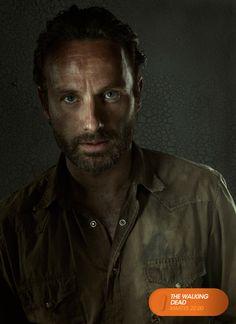"""Andrew Lincoln es """"Rick Grimes"""".  The Walking Dead - Martes 22.00  #TWD3EnFOX Mira contenido exclusivo en www.foxplay.com"""