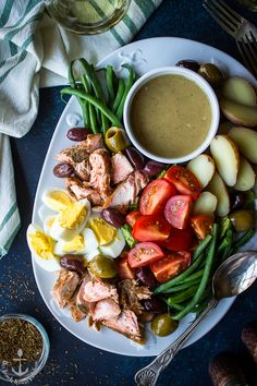 Packed with a delicious list of healthy ingredients, this Salmon Niçoise Salad with Dijon Vinaigrette eats like a meal! Easy Meal Plans, Easy Meals, Salmon Nicoise Salad, Nicoise Salad Dressing, Salad Dressings, Seafood Recipes, Dinner Recipes, Seafood Dishes, Fish Recipes