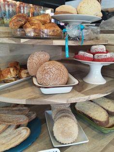 ¿A qué hora sales al pan? @daniel_ovadia #peltre  #hotspot ♡