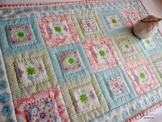 Fussy cutting: Colours: Hand quilting...