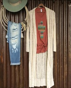 These cool spring nights have got us loving The {new} Perry duster paired with The Saguaro tee! #perfection #serape #cactus #weekendstyle #savannah7s