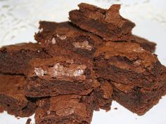 #Mom bakes breast milk brownies for school bake sale, online outrage ensues - The Province: The Province Mom bakes breast milk brownies for…