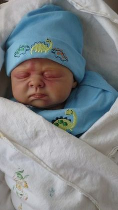 Reborn Doll Amazingly lifelike Reborn Boy Alexander Noel  IRDA BOTM Winner May 2012