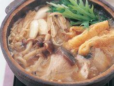 ぶりと野菜のパーフェクト鍋。ぶりはたんぱく質食材で、ビタミンAも含んでいます。