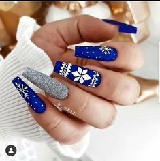 Chistmas Nails, Cute Christmas Nails, Xmas Nails, Holiday Nails, Winter Christmas, Blue Christmas, Christmas Nail Designs, Simple Christmas, Blue And Silver Nails