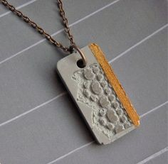 Concrete + chain + * Structure + + Copper + * # 2 of +++ + Structallic + - + jewelry + with + * + * Cement Jewelry, Ceramic Jewelry, Clay Jewelry, Jewelry Crafts, Copper Jewelry, Concrete Crafts, Concrete Art, Diy Butterfly Decorations, Polymer Clay Pendant