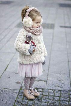 una preciosa niñita