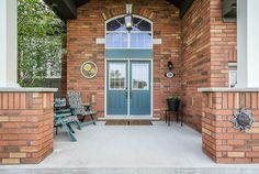 $698,800 Located on a ravine lot in highly sought-after Wasaga Sands Estates, this stunning all-brick home is sure to top your list! Covered front porch, paved drive to double garage with inside entry and convenient extra front entry and rear doors. Stylish …