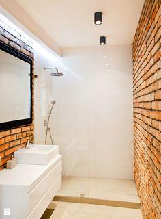 Ceglana łazienka - Łazienka - Styl Industrialny - Qbik Design