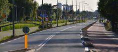 De Delftsestraatweg tussen de rotonde met Vaas en Hond cq Westlaan/Rijskade en de Komkommerweg is vandaag weer open gegaan voor alle verkeer, zowel de weg als het fietspad zijn volledig vernieuwd.  Van 17 augustus en 25 september is het tweede deel aan de beurt tussen de Komkommerweg en het tankstation in Delfgauw, waardoor Delfgauw wederom via een omleiding bereikbaar is. Sidewalk, Walkways, Pavement, Curb Appeal