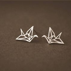 attic Silver Origami Ear Studs (223.960 IDR) ❤ liked on Polyvore featuring jewelry, earrings, origami earrings, silver jewellery, origami jewelry, silver earrings and silver stud earrings