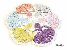 Crinoline Dame fait au Crochet, à la main au crochet Crinoline Lady napperon en couleurs Pastel, Crochet de Dame ronde, Centrino con dame (Cod. 47)