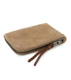 MAKR, a heritage brand from the US, are renowed for their quality hard wearing products, made with care and attention. This slim wallet has a seam Best Canvas, Cool Gear, Ipad Sleeve, Slim Wallet, Leather Working, Zip Around Wallet, How To Make, Bags, Accessories