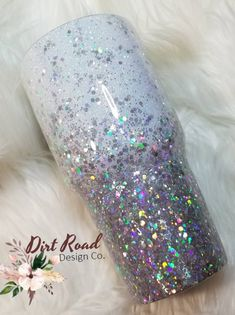 CUSTOM Chunky glitter fade white with chunky silver bling, glitter dipped tumbler,Custom Stainless s Glitter Projects, Glitter Crafts, Glitter Decorations, Diy Tumblers, Custom Tumblers, Acrylic Tumblers, Table Design, Cup Design, Glitter Tumblr