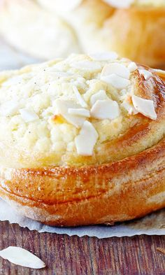 Camembert Cheese, Dairy, Yummy Food, Baking, Delicious Food, Bakken, Backen, Sweets, Pastries