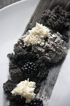 White chocolate plaquette, Black sesame cheesecake, Black sesame moss, Super soft black sesame sponge and Blackberries