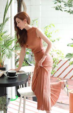 Korean Fashion Trends you can Steal – Designer Fashion Tips Blackpink Fashion, Asian Fashion, Fashion Models, Fashion Outfits, Fashion Design, Asian Model Girl, Asian Girl, Korean Fashion Trends, Lovely Dresses