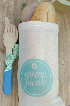 Muslin bag spring picnic printables & co-ordinating cutlery