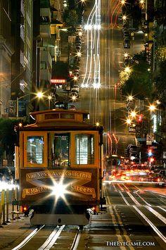 California Street cable car - San Francisco