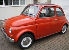 This original Fiat 500 looks fantastic in red! New Fiat, Fiat 500l, Ebay Watches, Van, Troy, Shoulder, Vintage Cars, Industrial Design, Note Cards