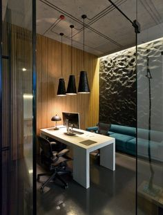 Modern Minimalist Office Design With High Ceiling And Hanging Pendant Lamp With Low Light Plus White Desk With Black Leather Office Chairs And Wood Wall Cladding Panels Plus Blue Fabric Sofa Ideas, Office Lighting Furniture Office Cabin Design, Small Office Design, Office Interior Design, Office Designs, Interior Modern, Modern Office Decor, Cool Office, Office Ideas, Site Office