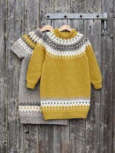 VARDETUNIKA Garnpakker 2-12 år i Finullgarn fra Rauma Garn Crochet Baby Sweaters, Knit Crochet, Knit Baby Dress, Fair Isle Knitting, Baby Knitting Patterns, Crochet For Kids, Kids Fashion, Sarees, Clothes
