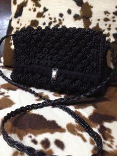 πλεκτή τσάντα Winter Hats, Beanie, Projects, Fashion, Log Projects, Moda, Blue Prints, Fashion Styles, Beanies