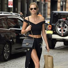 Pin for Later: Taylor Swift Holds a Casual Get-Together at Her Apartment With Supermodels, Actors, and Musicians